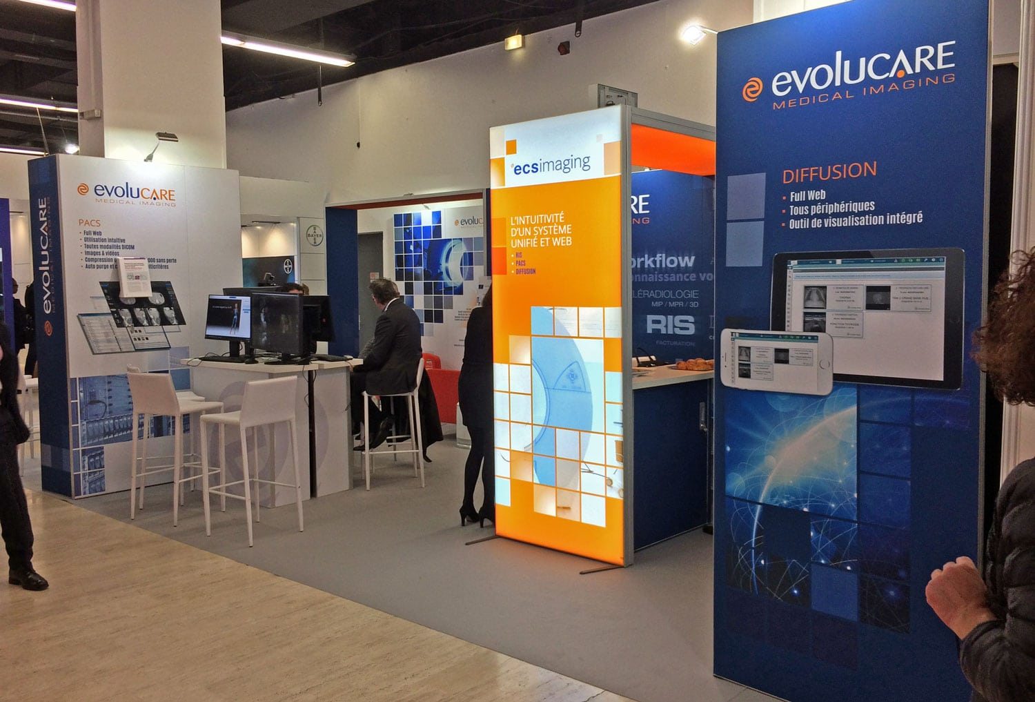 stand modulaire lumineux evolucare